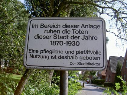 Schild am alten Friedhof